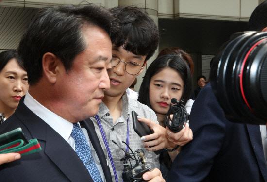 檢, '상속주식 차명보유' 이웅열 前코오롱 회장 2심서 집행유예 구형