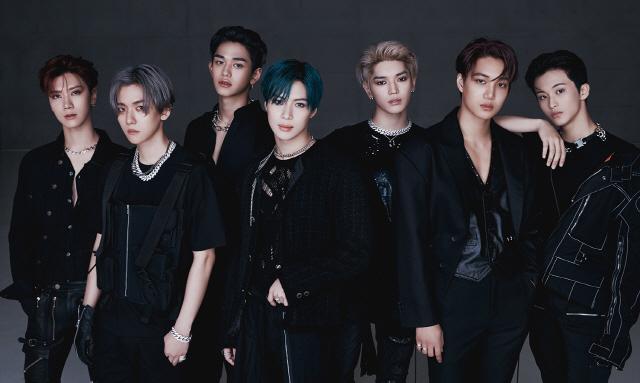 SuperM, 美 빌보드 메인 차트 6주 연속 차트인, '월드 앨범' 차트 6주 연속 1위