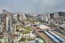 [2019 한국건축문화대상-우수상] 서울 오류동 행복주택, 철도로 단절된 지역 연결...도로위 도시실험