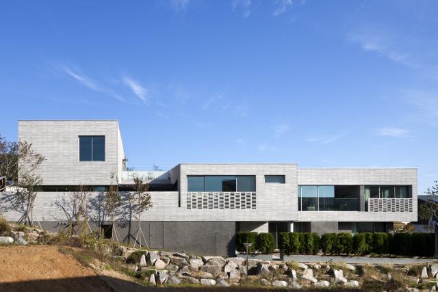 [2019 한국건축문화대상-우수상]세마당집, 3대 위한 3개 마당에 사계절 변화 담아