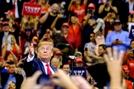 """트럼프 """"미군, 엄청 부자나라 방어 돼지 저금통""""...한미 방위비 협상 앞두고 파상공세"""