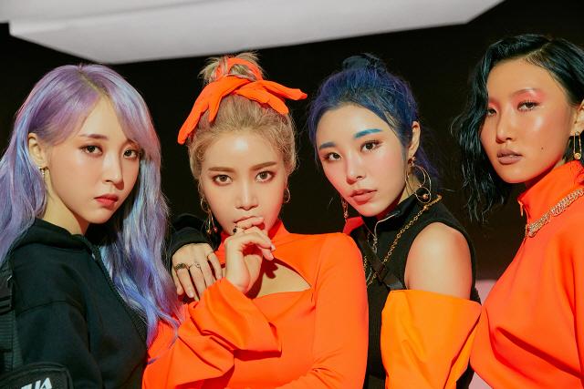 '2019 MAMA' 박진영X마마무, 세대를 뛰어넘는 파격적인 무대 공개
