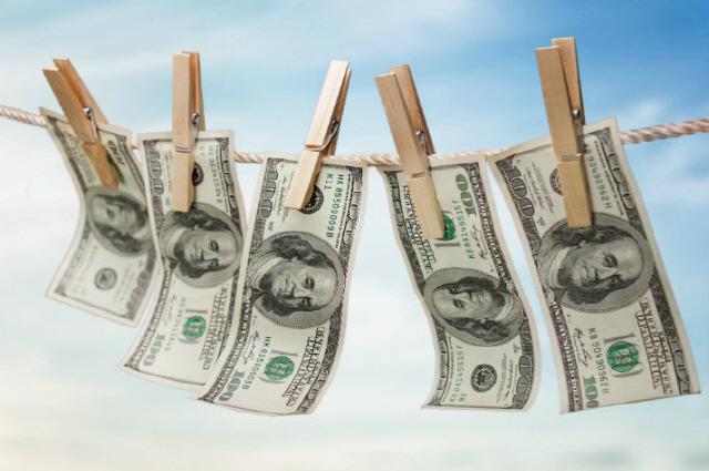 암호화폐 거래소 투자자들, B사 실소유주의 내연녀도 사기·횡령 혐의로 고소