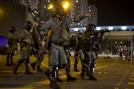 홍콩 경찰 총수 中베이징행...시위 강경진압하나