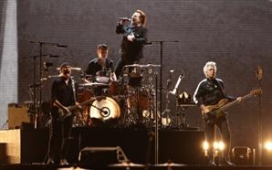 오늘 문 대통령과 록밴드 'U2'의 보노 만남 이뤄진다