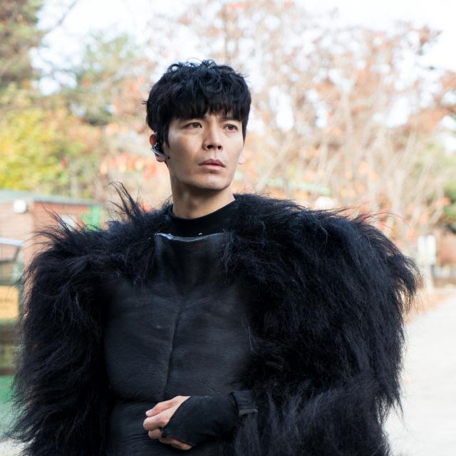 '해치지않아' 김성오, 순애보 사육사와 순정마초 고릴라 1인 2역 도전