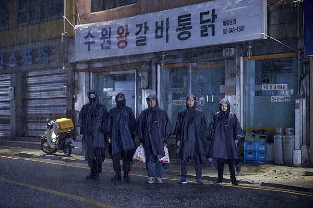 [문화계 뒷담화]천만 영화 5편 중 비수기 개봉작 4편 나온 영화계