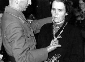 [오늘의 경제소사] 독일 1938년 출산장려 훈장