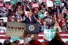 트럼프 재선땐 신고립주의 2.0...민주가 이겨도 中과 갈등