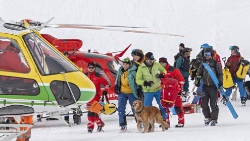 '크리스마스의 악몽'…엄청난 눈사태 스위스 스키장 덮쳐 2명 부상