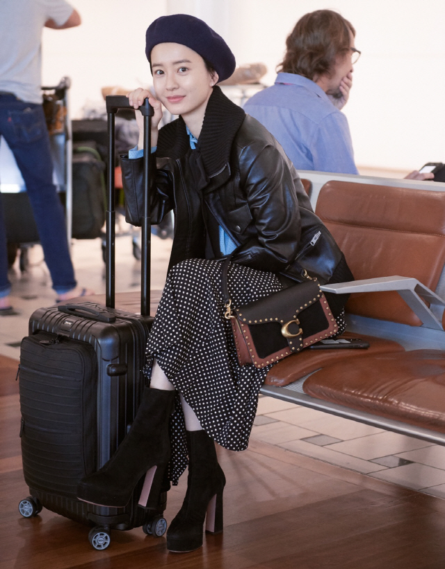 정유미, 일상도 화보 같은 남다른 공항 패션 공개..사랑스러운 매력 가득