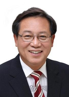 [시그널] 차성수 교직원공제회 이사장 사의…총선 출마