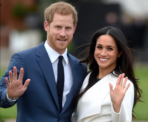 英여왕, 왕실 불화설 의식했나…해리왕손 부부 '독립선언' 수용