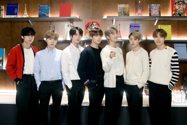방탄소년단, 미술작가들과 협업한 'CONNECT, BTS' 전 세계에서 개최