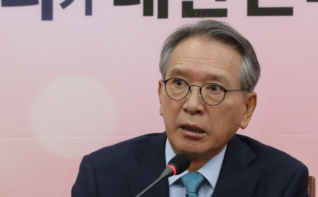 '완전 국민경선으로 물갈이'…칼 빼는 김형오