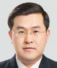 [단독] '조국 무혐의' 대검 간부에 수사팀 공개 항의