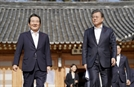 문 대통령-정 총리 첫 주례회동…규제혁신·협치모델 논의