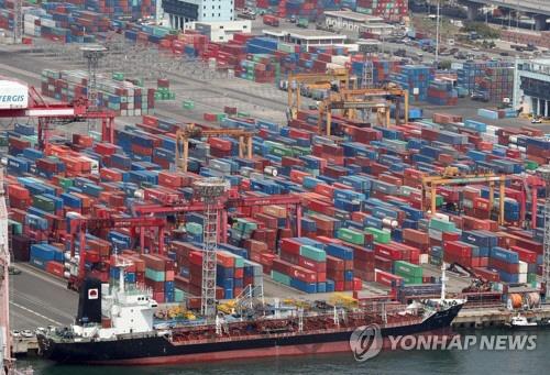 이달 1~20일 수출 전년比 0.2%↓…반도체는 8.7%↑
