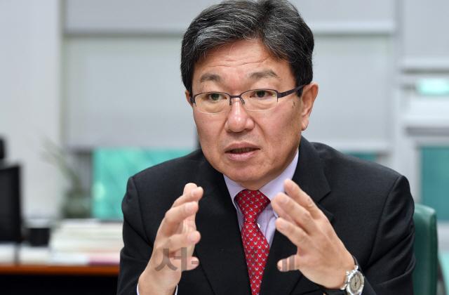 [청론직설] '국가가 경제운영 시스템 개입하는 건 헌법정신 훼손'