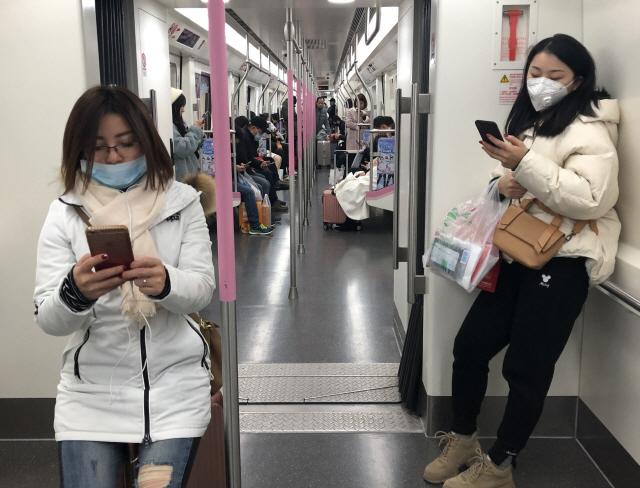 """'우한 폐렴' 확산에 日 온천 관광지 상점 """"중국인 거절"""""""