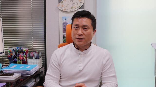 10만 대군의 유튜버들 2 50대 대표 유튜버 '단희쌤' 이의상 '준비 없는 창업은 하지 마세요'