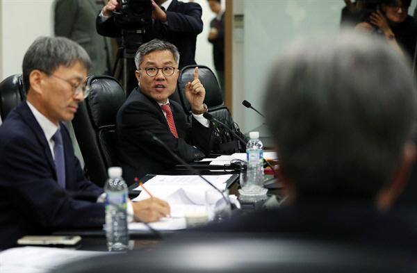 진중권, '檢 소환 불응' 최강욱 향해 '문씨 왕조 성골인가…파렴치 범죄 해명해야'