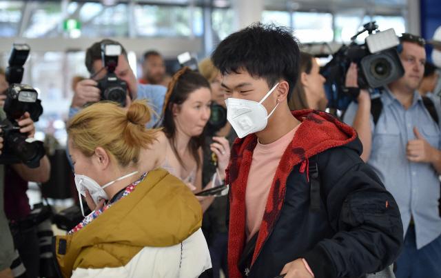 [종합] 중국 '우한폐렴' 비상… 확진자 급증에 지역 봉쇄 확대