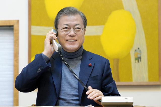 文대통령, 라디오 출연 '지난해 하노이 회담 빈손 무엇보다 아쉽다'