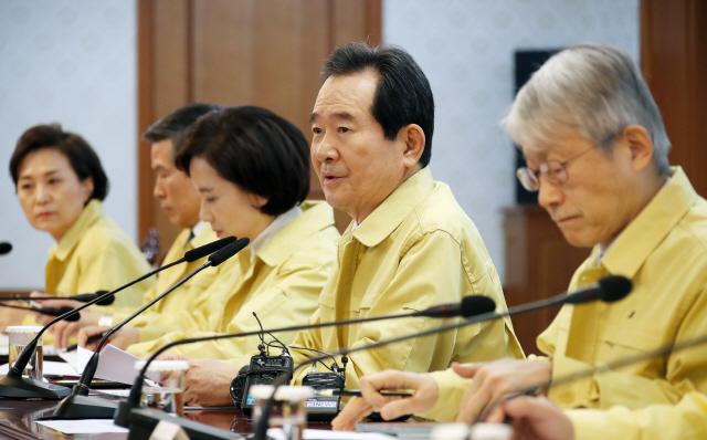 """정부, 우한에 30~31일 전세기 4편 투입…""""국민 보호"""""""