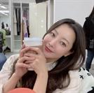 """김희선 """"너무 예뻐서 말도 안나와…"""" 막찍어도 화보같은 근황"""