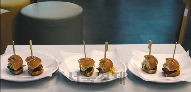 빌 게이츠도 '이런 맛 처음'...어떤게 '식물고기' 햄버거일까요?[권경원의 유브갓테크]