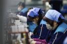 中 폭스콘, 일부 지역서 공장 가동 재개...인력 10%만 복귀