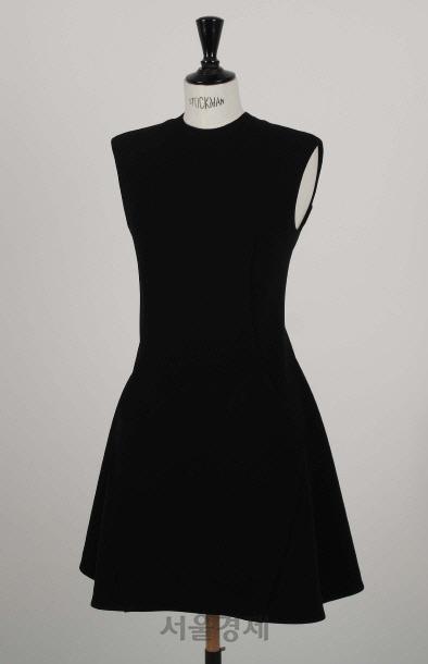 아크, 200벌 한정 '리틀 블랙 드레스' 출시
