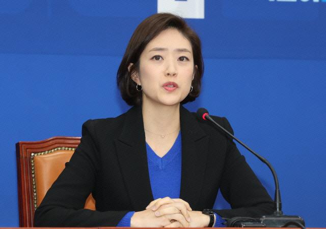 고민정, '文대통령 탄핵 추진' 심재철에 '국정농단 세력에 경고…반민주적 탄핵은 파국'