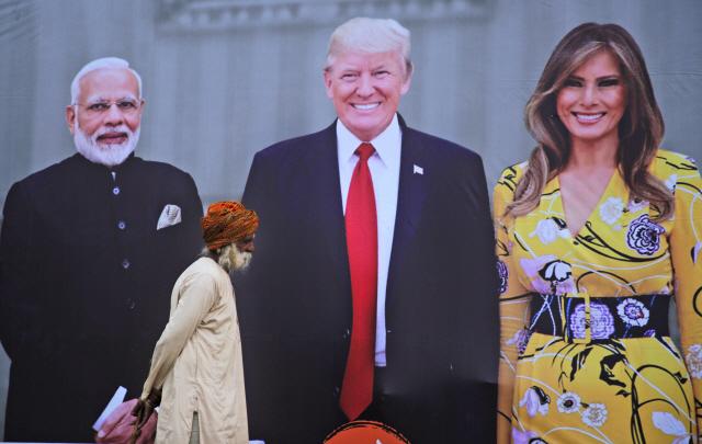 [사진] 트럼프 취임후 첫 訪印