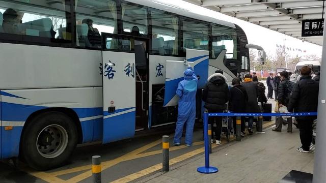 중국 코로나19 한국발 역유입 통제 강화…웨이하이 6명 추가 격리