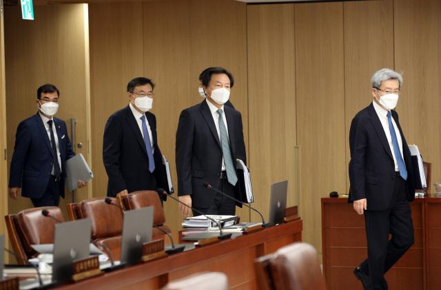 한국은행, 내달 9일부터 코로나19 피해업체에 5조원 대출 지원