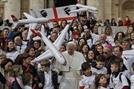 교황, 감기 증세로 외부 일정 취소