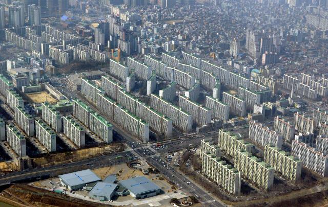 [S머니] 규제 부작용에 더 멀어진 꿈...월급 15년 모아야 서울서 내집 산다