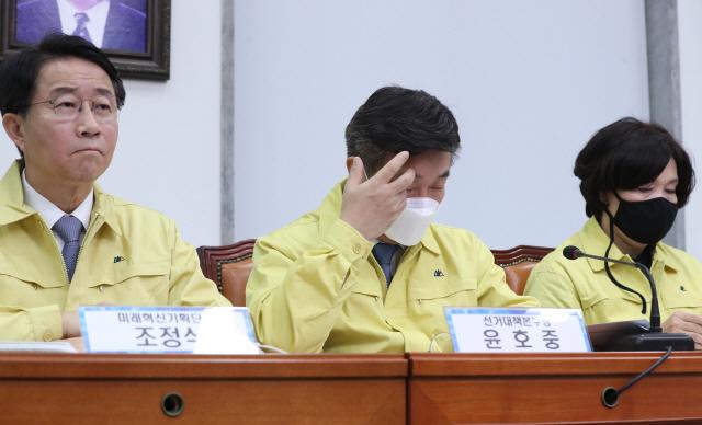 윤영찬·정태호 경선 통과..靑출신 vs 野중진 매치업 성사