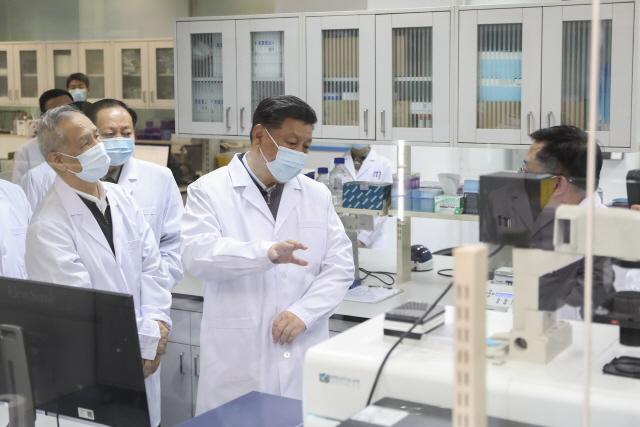 [최수문특파원의 차이나페이지] 48 명운 걸린 코로나19·홍콩 사태 해결에 측근 대거 투입한 시진핑