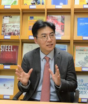 김형렬 교보證 리서치센터장 '구조적 변화 생겨 회복 늦을것'