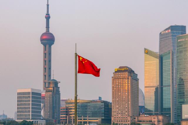 중국 공산당 ''봉성봉로'로 전통산업 타격 입어, 4차 산업 기술 활용해야'