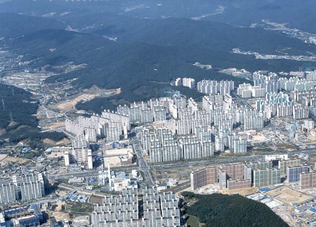 [S머니] 수원 권선구 석달새 14% 폭등…'집값대책이 되레 버블 키워'