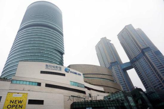 [시그널] 신한금투, 신도림 디큐브시티 백화점 2,600억원에 인수
