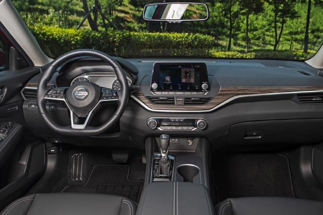 [Best selling Car] 닛산 알티마, 2,000만원대 가성비에 승차감·안전성도 탄탄