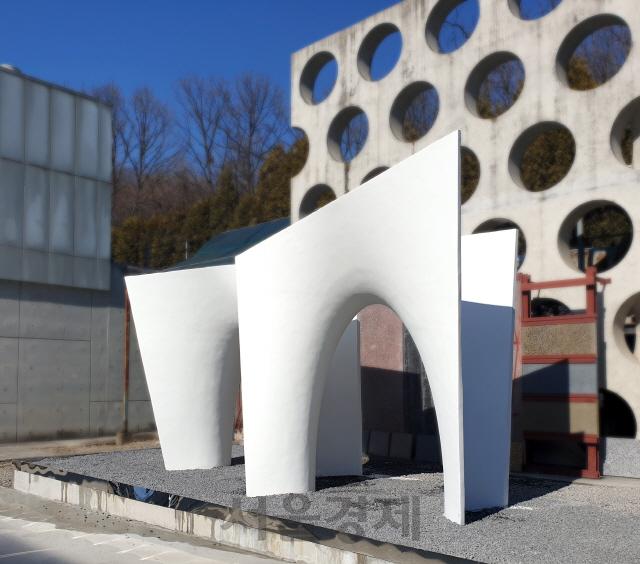곡선 건축도 값싸고 빠르게…현대ENG, 비정형 건축 혁신기술 특허 출원