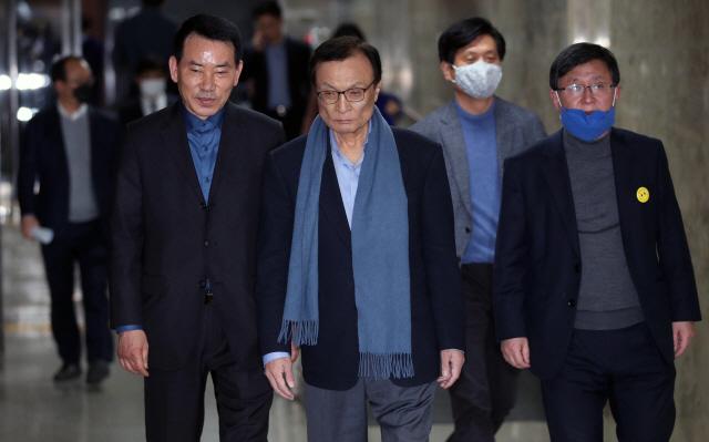 민주당, 4∼5월 세비 50% 기부키로…'1인당 875만원 꼴'