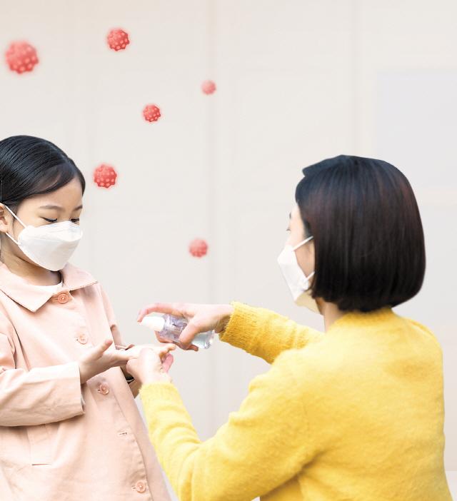 [코로나19 건강 지키기]바이러스 퇴치, 위생관리·꿀잠이 보약