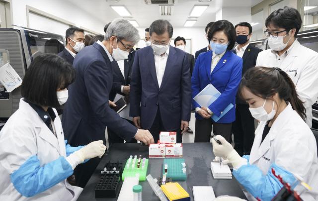 [단독]코로나 진단시약에 '브랜드K' 붙여 수출